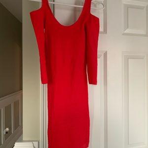 Stretchy quarter sleeve dress